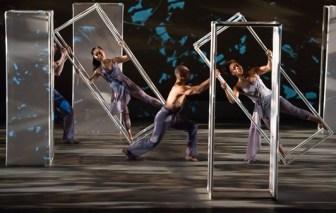 "Members of Carolyn Dorfman Dance Company perform Dorfman's new ""Traces."""