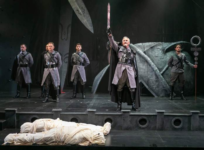 Titus Andronicus review