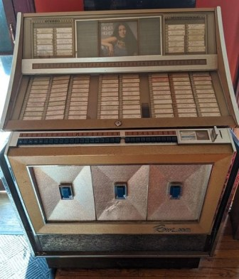 stanhope house jukebox auction