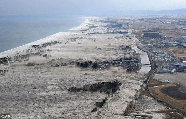 w640-tsunami-AP