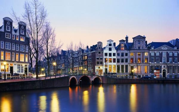 W-アムステルダム、オランダ