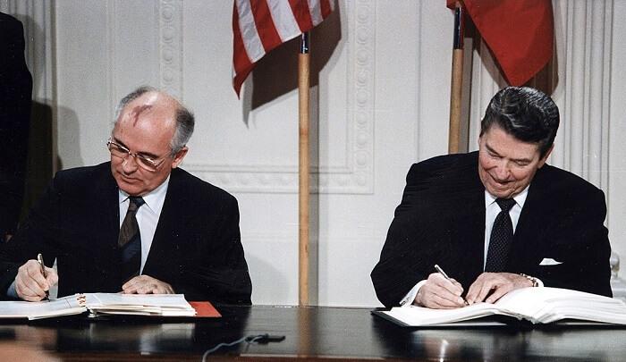 Gorbaçov ve Reagan