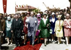 Atatürk'ün Kadınlar İle İlgili Sözleri – Kadınlara Verdiği Önem