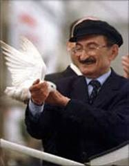 Bülent Ecevit Aslen NERELİ , kimdir , kaç yaşında ,biyografisi , hakkında