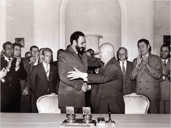 Nikita Kruşçev ve Fidel Castro