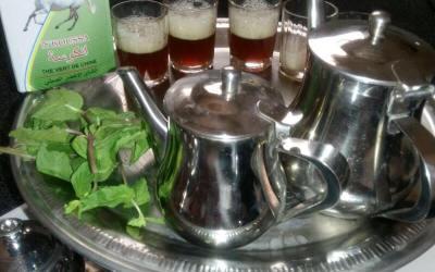 أجمل الأشعار في حب الشاي مثل شاي انكوسة طبعا