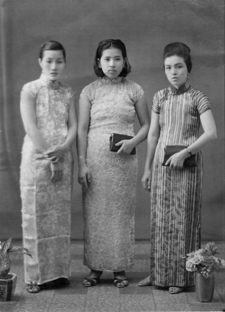 Anonymous photographer and models. East Indies (Indonesia) early 20th century.