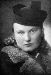 In the early 20th century an anonymous Estonian photographer took this portrait of Aasált Lindale who gave it to a friend to be remembered.