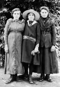 Three girls in Natchitoches, Louisiana, USA, portrait by the Dutch photographer P. H. van Son in the 1910s. In the early 20th century, P. H. van Son, who originated from the town of Oirschot in the province of Brabant, the Netherlands, lived and worked in Louisiana for some years.