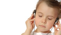 Girl Listening to NLP World Hypnosis track | NLP World