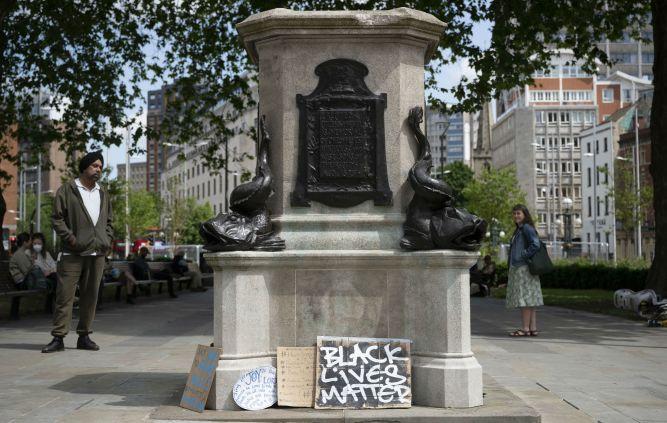 "Massive Attack say Edward Colston statue in Bristol ""should never have been  a public monument"""