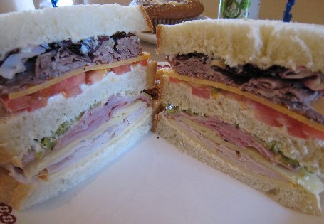 "A ""Have Your Cake"" Dagood Sandwich"