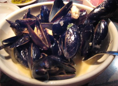 Cozze in Bianco, Prince Edward Island mussels