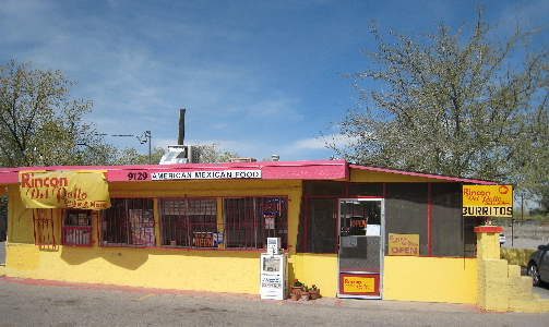El Rincon Del Pollo, the Chicken Corner, is aptly named.