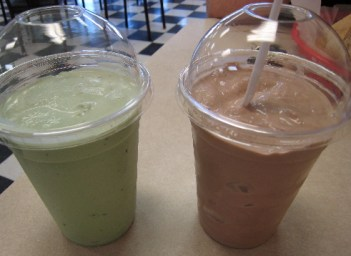 Mint-chocolate malt and chocolate shake