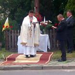 Pierwszy Ołtarz naskrzyżowaniu ulic Kasztanowej iBydgoskiej. Odczyt Ewangelii św.Mateusza.