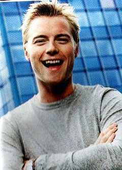 https://i2.wp.com/www.nndb.com/people/265/000109935/ronan-keating.jpg