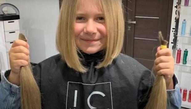 Юна волонтерка віддала своє волосся Hair for Share, щоб допомогти онкохворим дітям