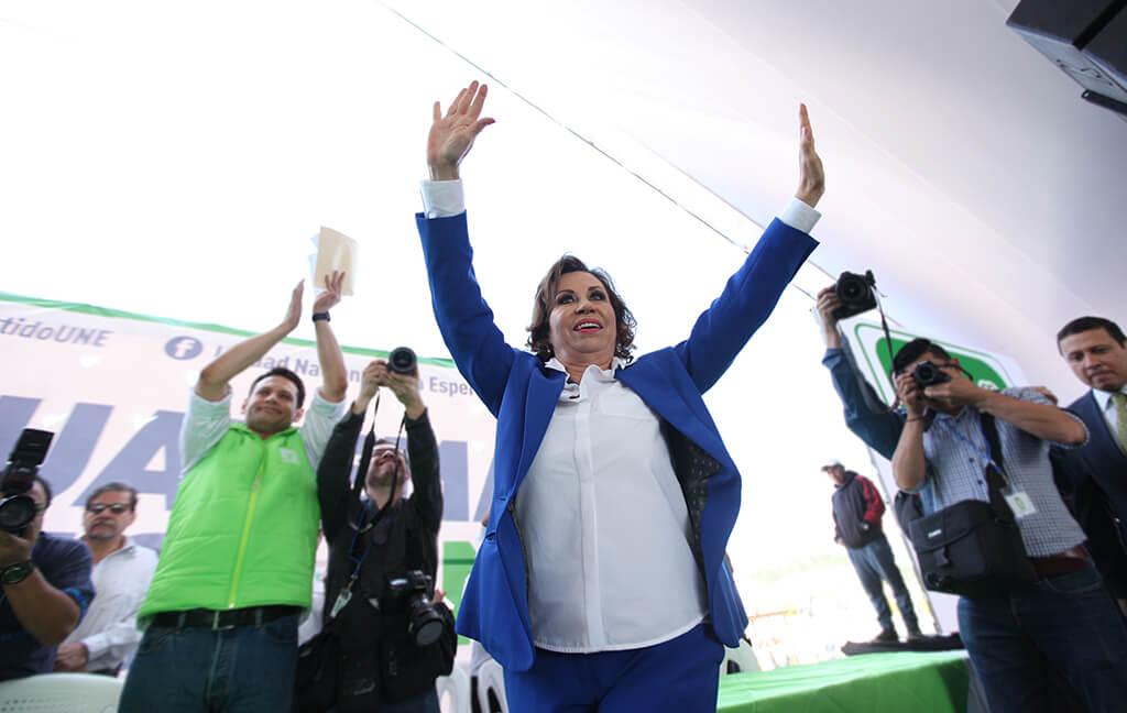 2019-02-17-Mujeres a la presidencia-Sandra Torres en asamblea