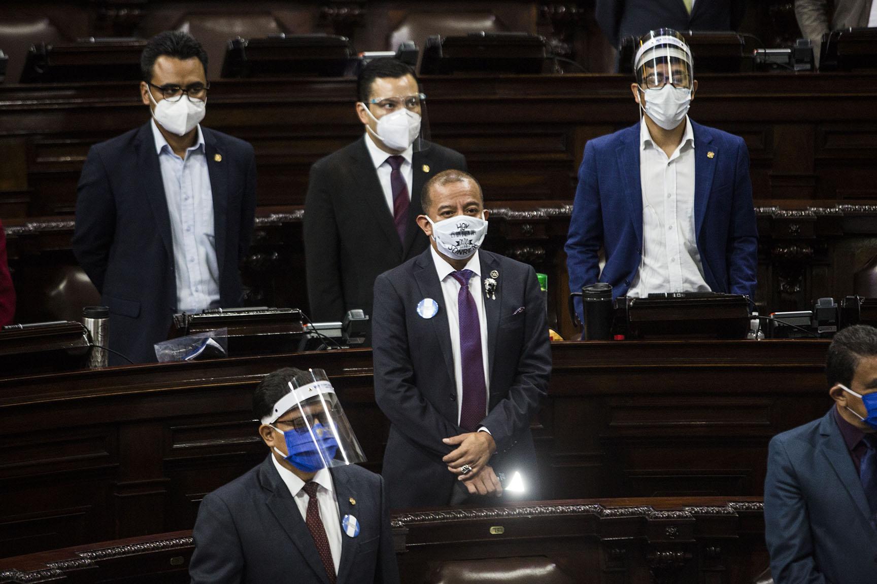 Bancadas neófitas: los límites de la oposición