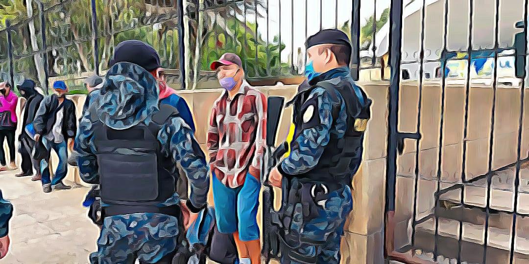 Migrantes parque Centenario