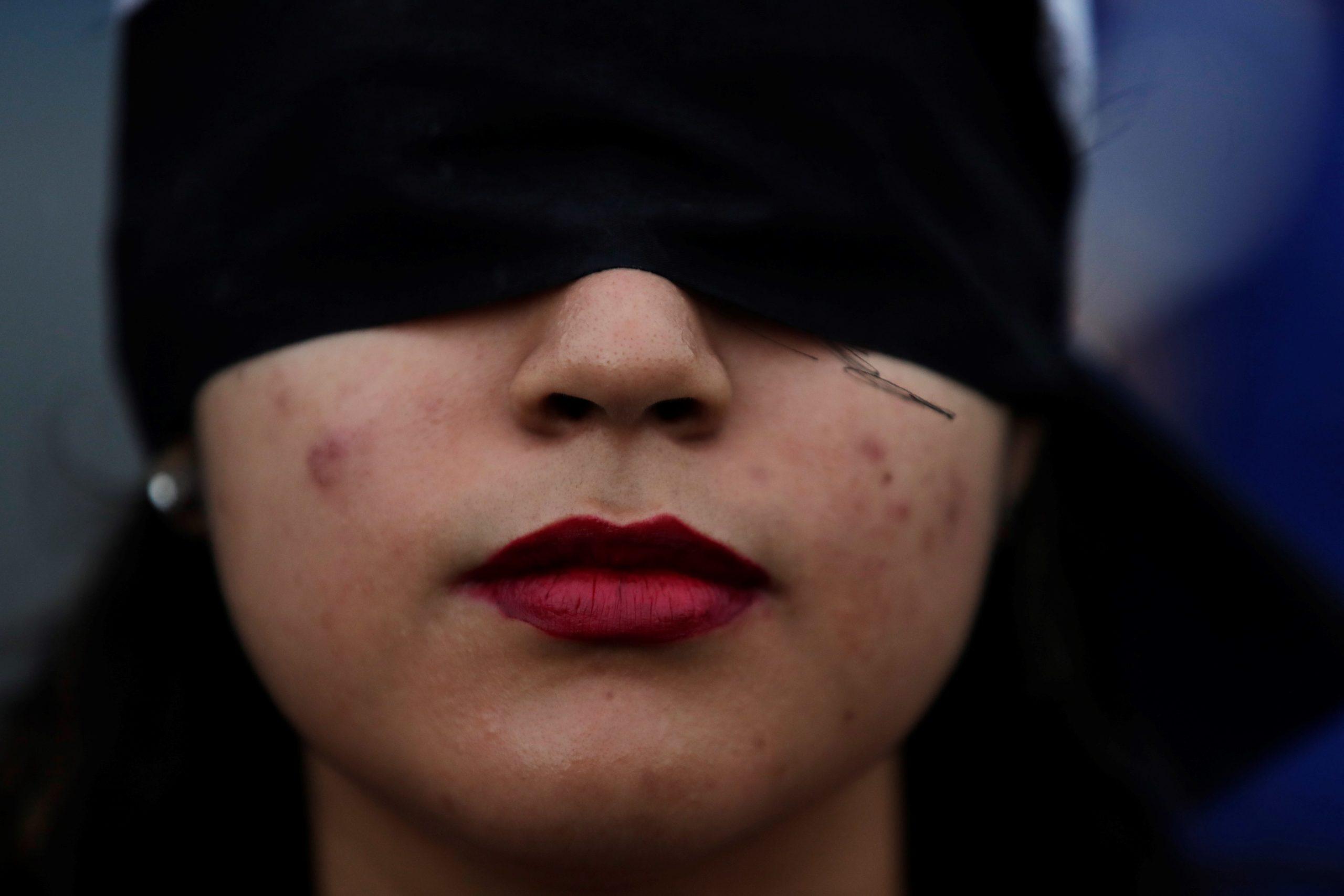 """Protesta replica en Panamá coreografía chilena """"Un violador en tu camino"""""""