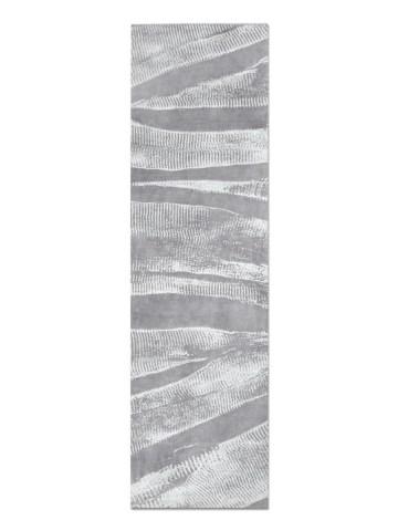 Ebu in Silver, 3 ft. x 10 ft.