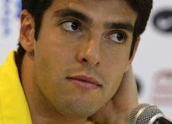 Brazilian soccer player Kaka listens to a question during a news conference in Recife, northeastern Brazil June 8, 2009. Real Madrid have signed Brazilian midfielder Kaka from AC Milan, the Primera Liga club said on their website on Tuesday. The 27-year-old international has agreed a six-year contract to become the first player to join Real since Florentino Perez returned to the presidency this month.  REUTERS/Sergio Moraes  (BRAZIL SPORT SOCCER)