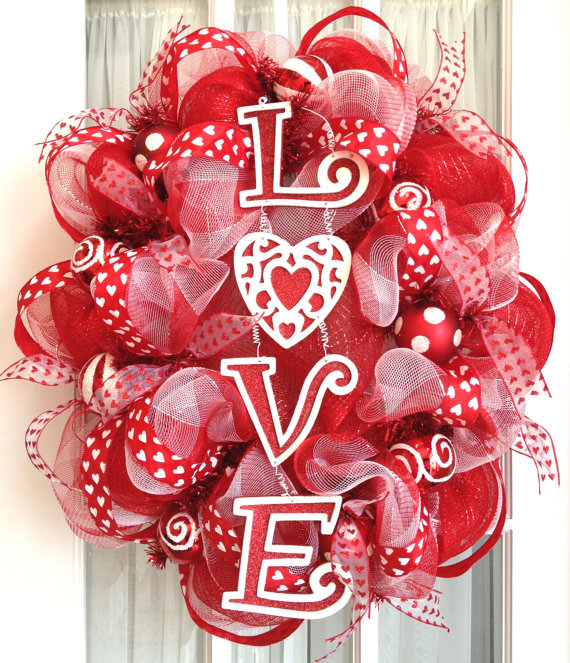 Oval deco mesh wreath valentine's day - 25+ Valentine's Day Home Decor Ideas - NoBiggie.net