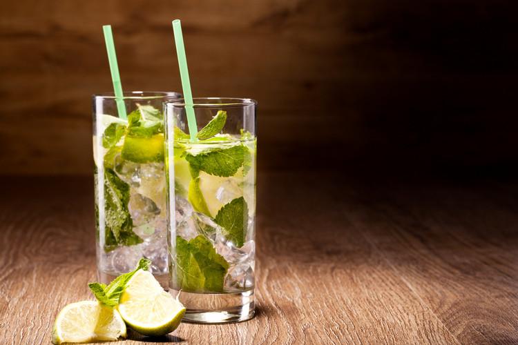 Minty Non-Alcoholic Mojito | 25+ Non-Alcoholic Punch Recipes