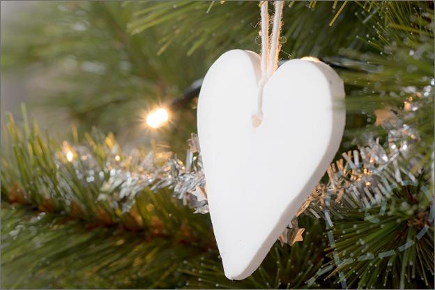 kerstversiering wit hart klei