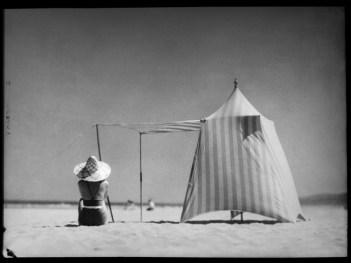 © Jacques Henri Lartigue. Coco. Hendaya, 1934