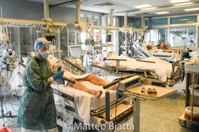 Emergenza Coronavirus Ospedale Maggiore di Cremona medici ed infermieri nell'unita di terapia intensiva cronaca Cremona 06/05/2020 Coronavirus Emergency Hospital Maggiore of Cremona doctors and nurses in the intensive care unit chronicle Cremona 06/05/2020