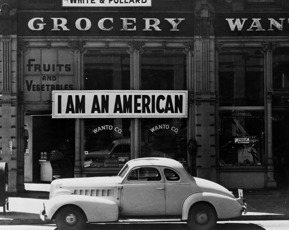 © Dorothea Lange. I Am an American, Oakland, CA. 1942