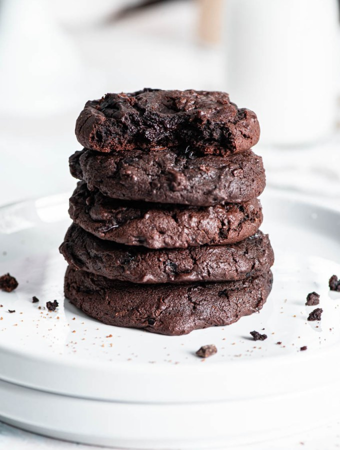 Double Chocolate Cherry Brookies (Brownie Cookie!!!)