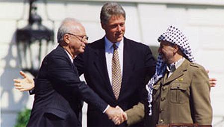 Acuerdos de Oslo, 13 septiembre 1993: Rabin y Arafat bajo el auspicio de Clinton