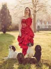 Lily-James-Harper's-Bazaar-UK-April-201800009