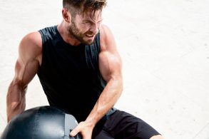 Chris Hemsworth - Men's Health US07