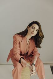 Anne-Hathaway-The-New-York-Times-03
