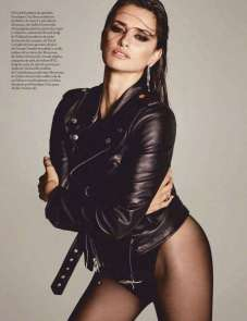 Penelope-Cruz-in-Vogue-Magazine-06