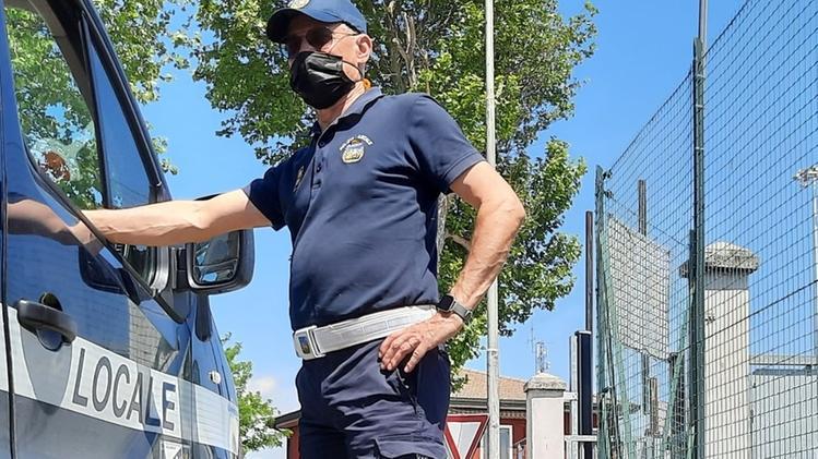 La Polizia scova lo «scaricatore» seriale di rifiuti