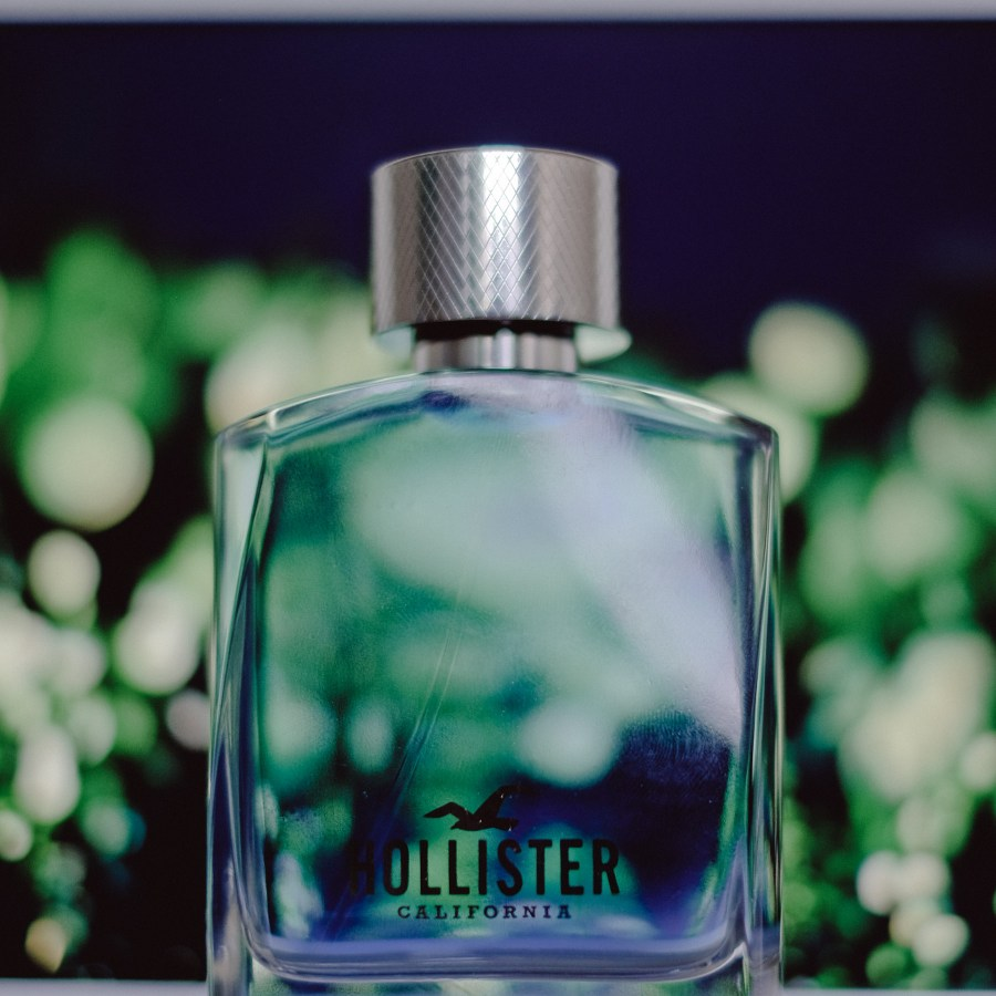 HOLLISTER WAVE SCENTS AND BEAUTE (1 of 11)