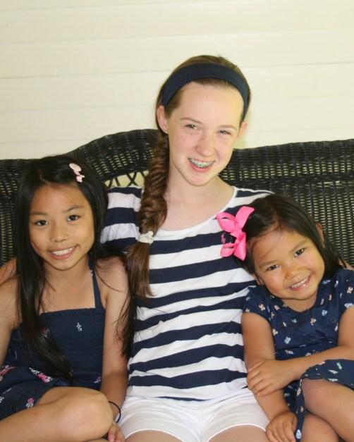 3 girl crop