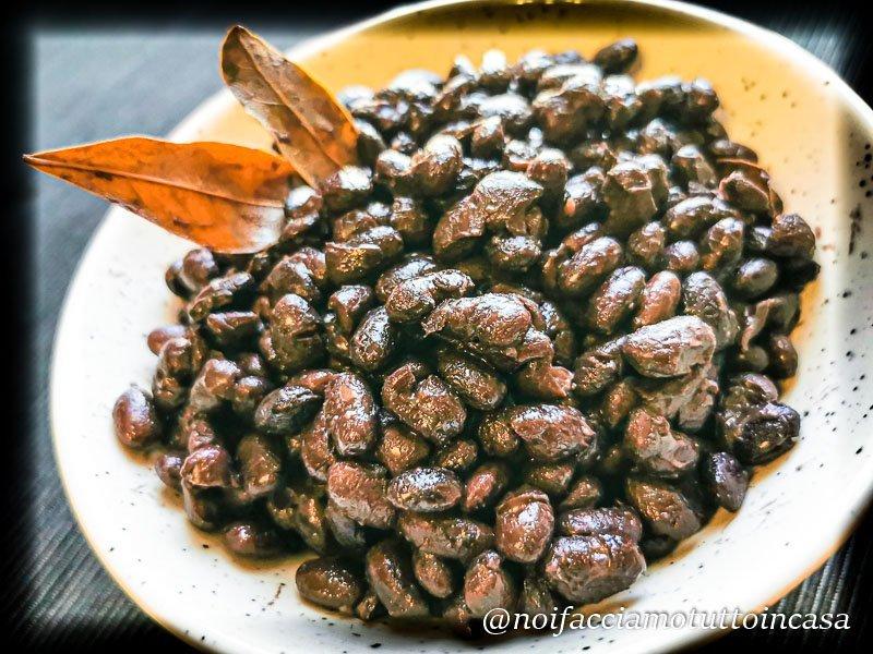 Fagioli neri cotti nel coccio (terracotta) ricetta perfetta