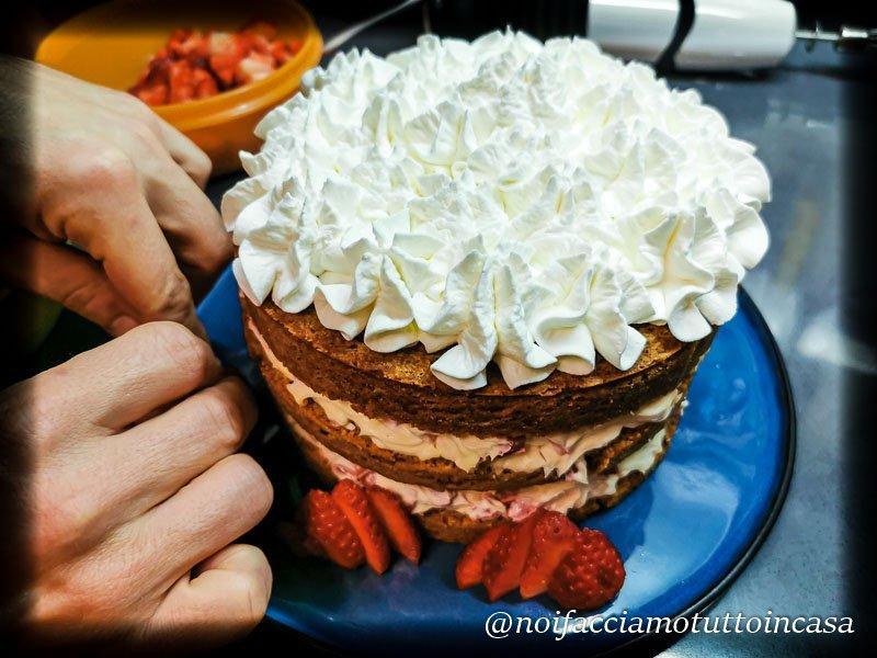 Naked Cake Fragole Mascarpone e spezie