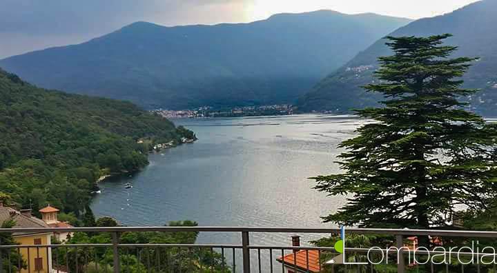 Il borgo di Pino sulla Sponda del Lago Maggiore