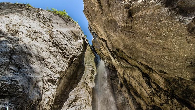 Il fascino della Cascata del Cenghen