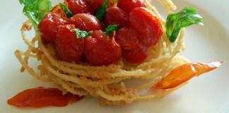 Nido di spaghetti fritti