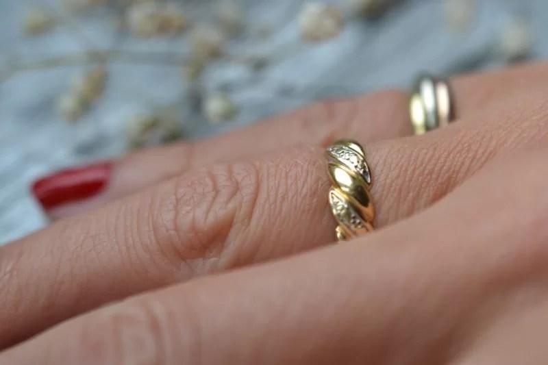 bague ancienne fine en or 18 carats