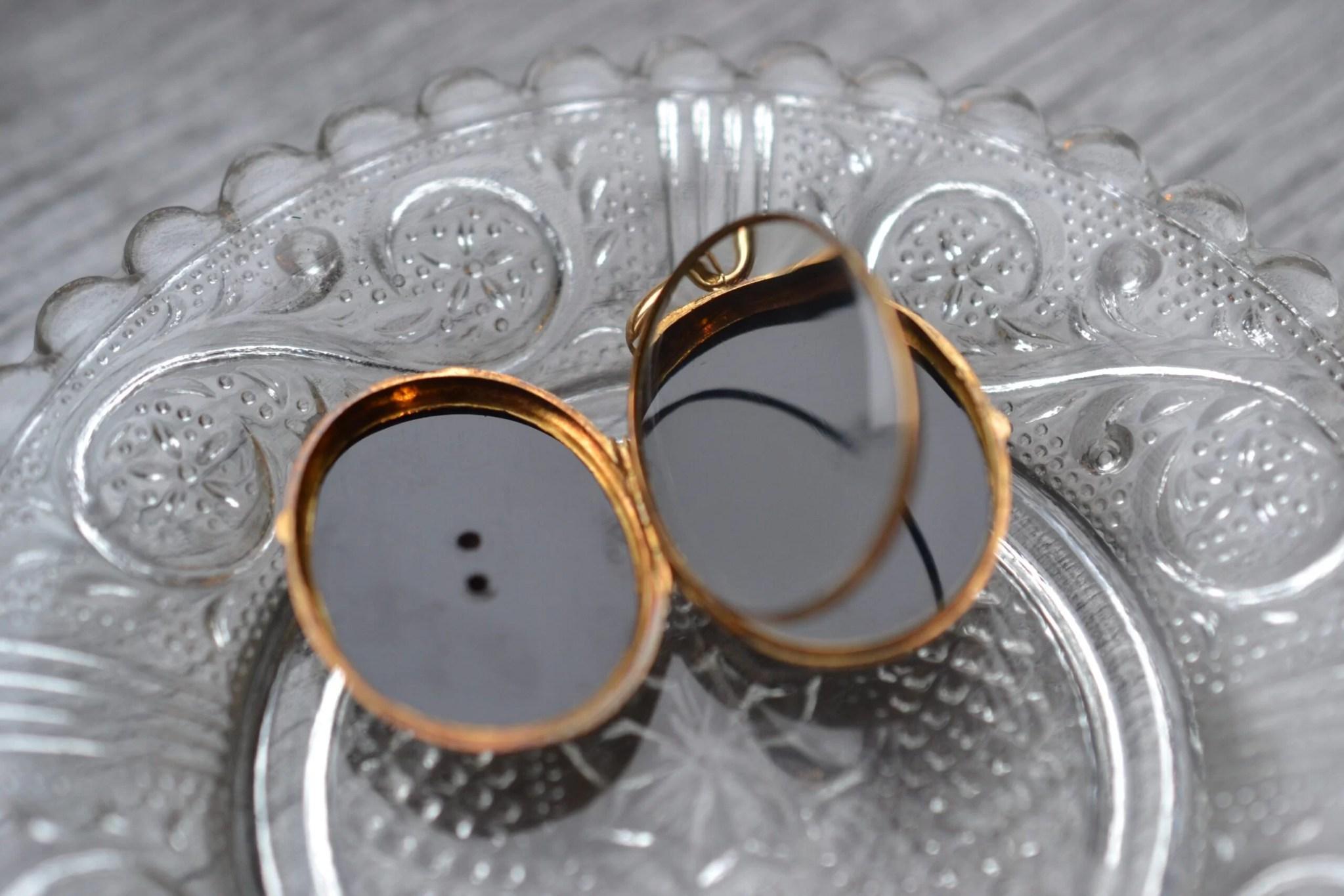 Pendentif porte photo - en onyx et or jaune massif 18 carats - Bijoux Vintage de seconde main